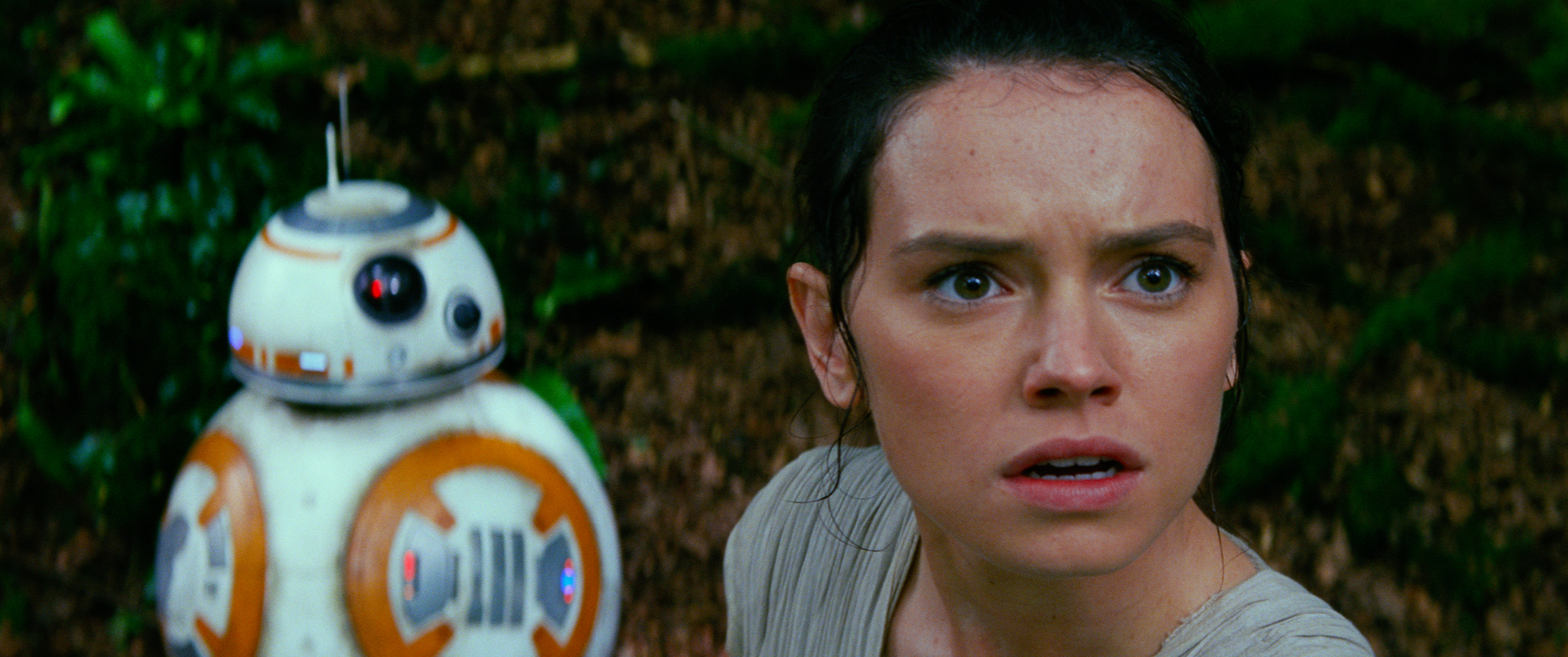 star_wars_the_force_awakens_40043082_st_15_s-high